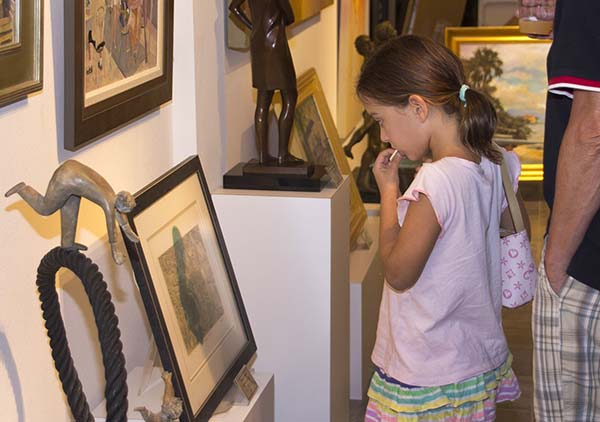 Child enjoying Art